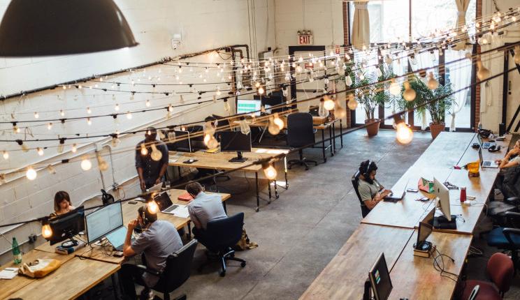 Falta de escritórios tradicionais impulsiona coworking em Portugal