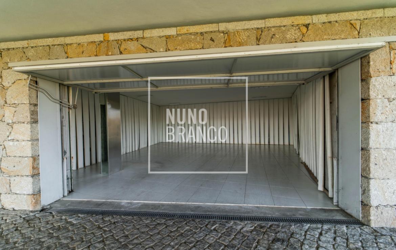 Moradia de Luxo com Piscina em Braga